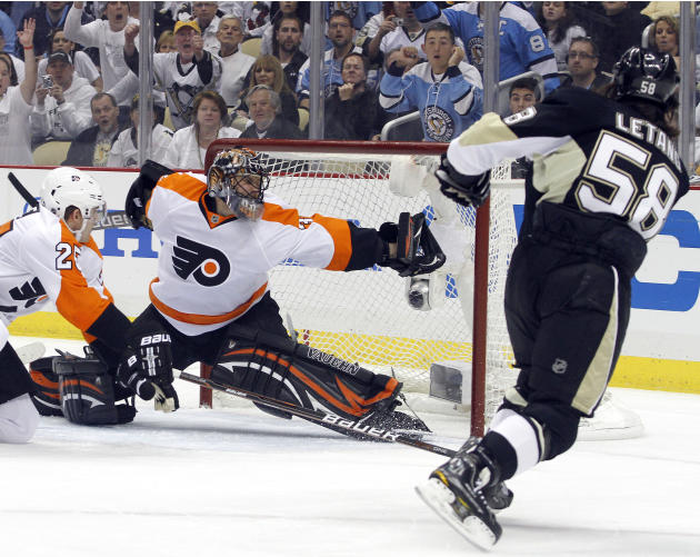 Philadelphia Flyers v Pittsburgh Penguins - Game Two