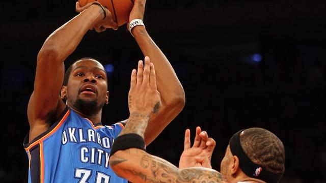 Basketball - Durant inspires Thunder to win over Knicks