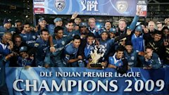 Deccan Chargers Lift Indian Premire League Season 2 Trophy