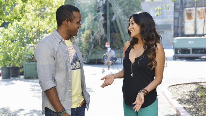 """""""Pretty Little Liars"""" - """"Birds of A Feather"""": STERLING SULIEMAN, SHAY MITCHELL"""