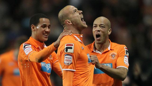 Blackpool remain unblemished after rout of Ipswich