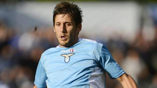 Lazio striker Alfaro leaves for the UAE