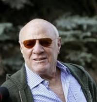 "Barry Diller Honored By Broadcasters Even Though They're ""Suing Me"""