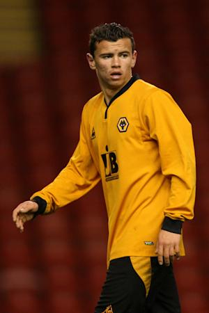 Zeli Ismail has signed on with Wolves until 2015