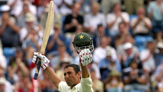 Cricket - Younis ton lifts Pakistan