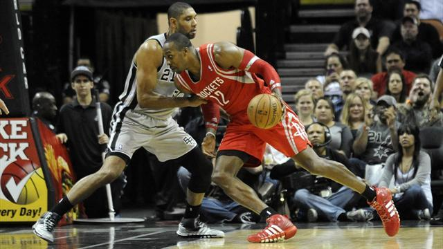 NBA - Rockets win battle of Texas against Spurs