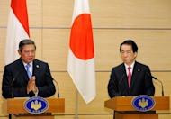 Indonesian President Susilo Bambang Yudhoyono (L) and Japanese Prime Minister Naoto Kan give a joint press conference after their meeting at Kan's official residence in Tokyo. Yudhoyono on a visit to disaster-hit Japan Friday voiced reservations about plans to build a nuclear power plant in his country, media reports said