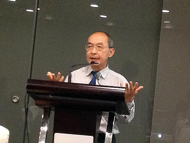 Professor Ng Yew Kwang speaks on his opposition to anti-immigration policies in this year's Budget. (Yahoo! photo)