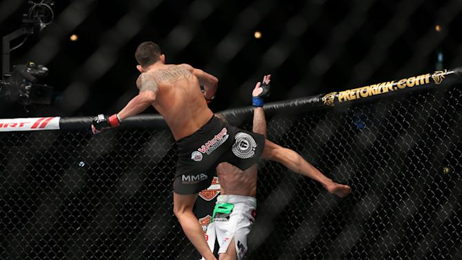 UFC Lightweight Champ Anthony Pettis Inks Deal with Reebok