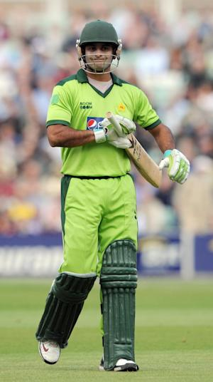 Mohammad Hafeez scored 43 at the top of the order for Pakistan, before conceding just 15 runs from his four overs as his team beat New Zealand