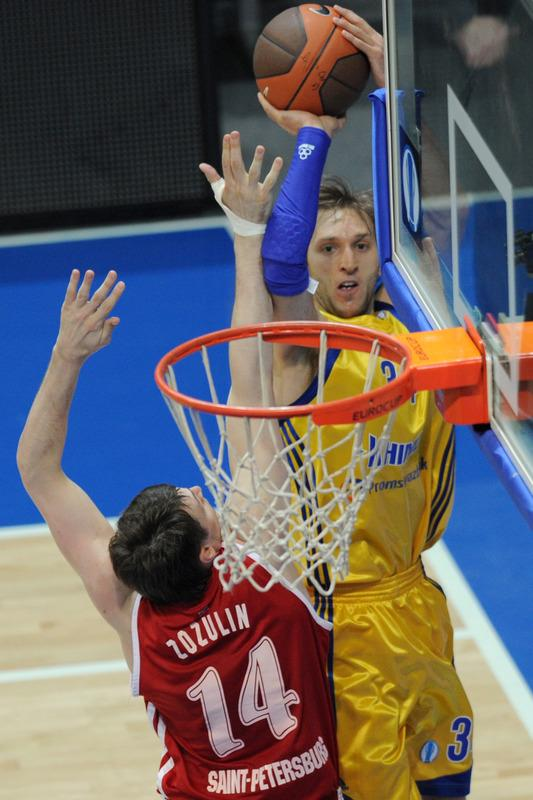BC Khimki's Zoran Planinic (R) Vies AFP/Getty Images