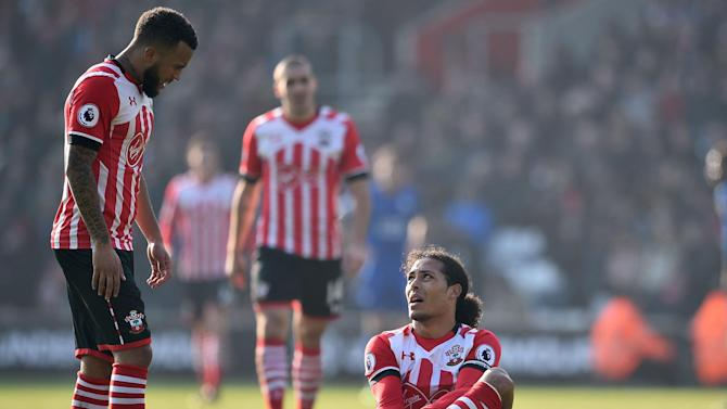 Southampton extend Leicester's miserable away record with comfortable win on south coast