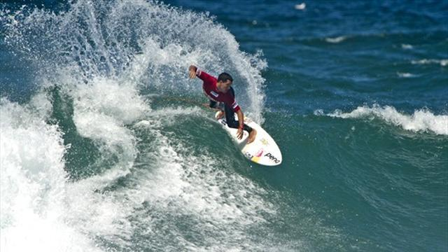 Surfing - De Souza shines in Newcastle, Parkinson through