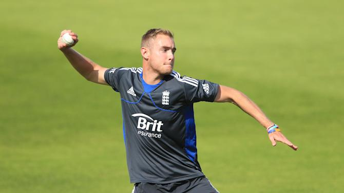 England's Stuart Broad does not feel his side struggle against spin