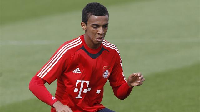 Premier League - Arsenal target Gustavo joins Wolfsburg from Bayern