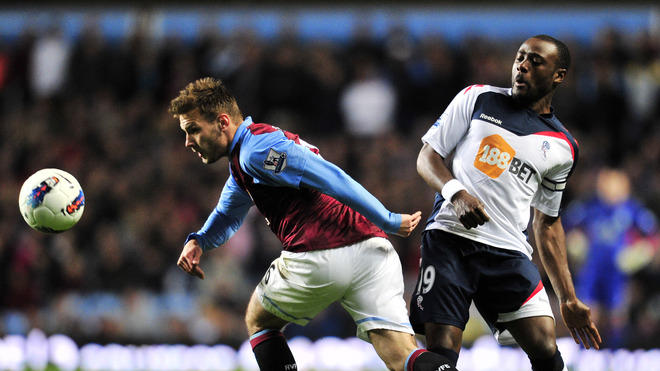 Aston Villa's Austrian Striker Andreas Weimann (L) Vies With Bolton Wanderers' English Midfielder Nigel Reo-Coker (R)   AFP/Getty Images