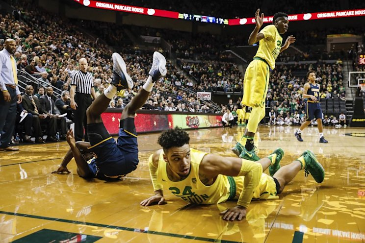 Dillon Brooks left Oregon's win over Cal with a