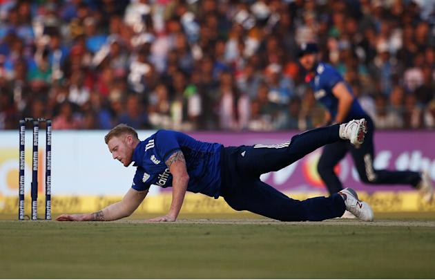 Cricket - India v England - Second One Day International
