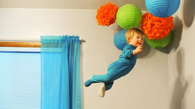 18-Month-Old With Down Syndrome 'Flies' Through Life in Photographs
