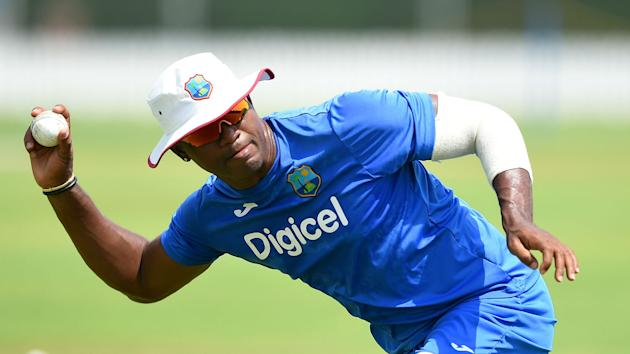 West Indies all-rounder Marlon Samuels has been cleared to resume bowling in international cricket after remodelling his action.