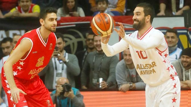 Arda All-Star! Turan makes hilarious cameo in Turkish basketball game