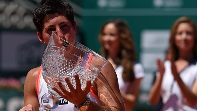 Tennis - Navarro finally wins WTA title in Portugal