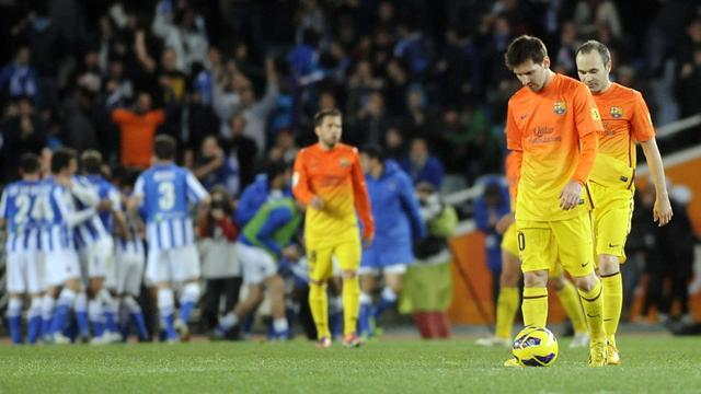 Spanish Liga - Malaga primed to kill off wounded Barca in Copa