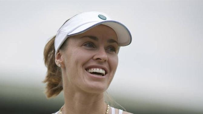 Wimbledon - Hingis to play doubles at Wimbledon
