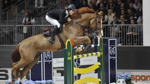 Equestrianism - Race hots up behind Alvarez Moya and Staut