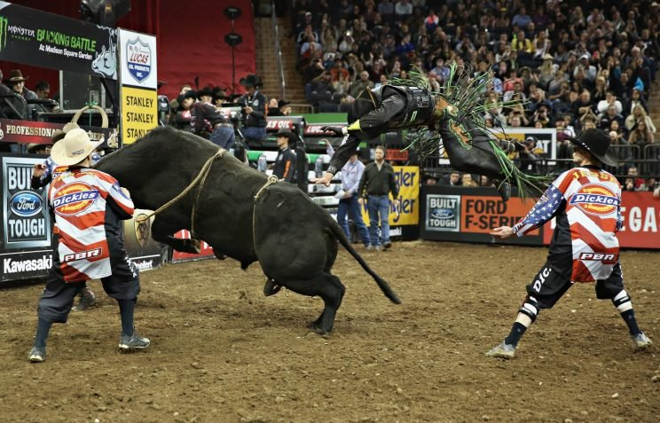 Eight Seconds Of Fury Professional Bull Riding Takes Its Shot At The Big Time Yahoo Sports Canada