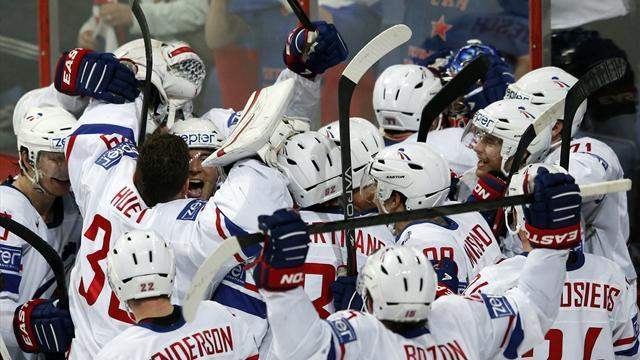 Ice Hockey - French stun Russia with 2-1 victory