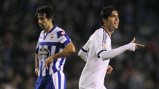 Deportivo v Real Madrid - Juan Carlos Valeron and Kaka