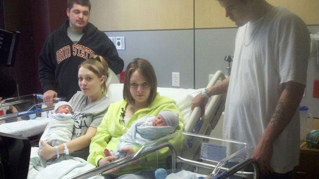 Identical Twins in Ohio Give Birth Two Hours Apart