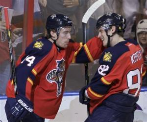 Kopecky gets hat trick as Panthers beat Pens 6-4