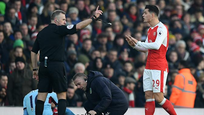 'Why are you doing that?!' - Henry slams Xhaka over Burnley red card