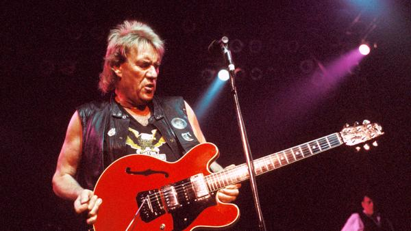 Alvin Lee of Ten Years After Dead at 68