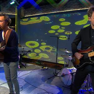 """Saturday Sessions: Guster performs """"Satellite"""""""