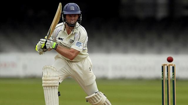 Cricket - Rogers and Robson lead recovery