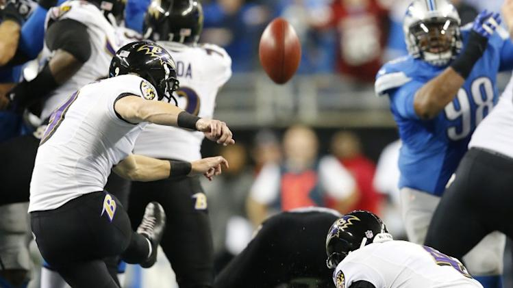 Justin Tucker kicked this 61-yard field goal to keep the Ravens in the playoff hunt