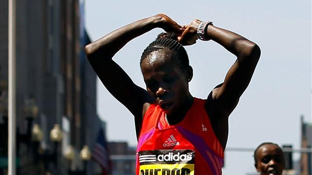 Athletics - Kenyans dominate Turin Marathon