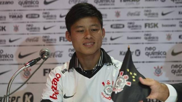 World Football - Chinese striker Zizao makes most of Corinthians chance