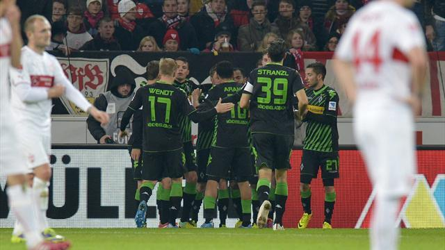 Bundesliga - Gladbach cruise past Stuttgart to close on leading pack