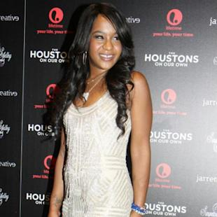 Bobbi Kristina Sports Mismatched Shoes, Is Whitney Houston's Daughter With Bobby Brown In Deep Trouble?