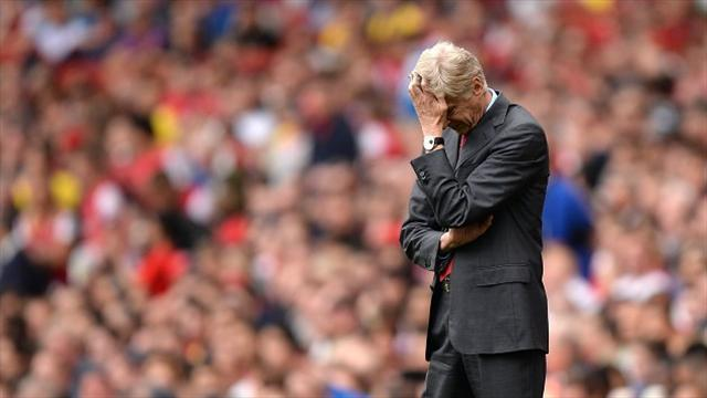 Premier League - Wenger tries to lift bruised stars
