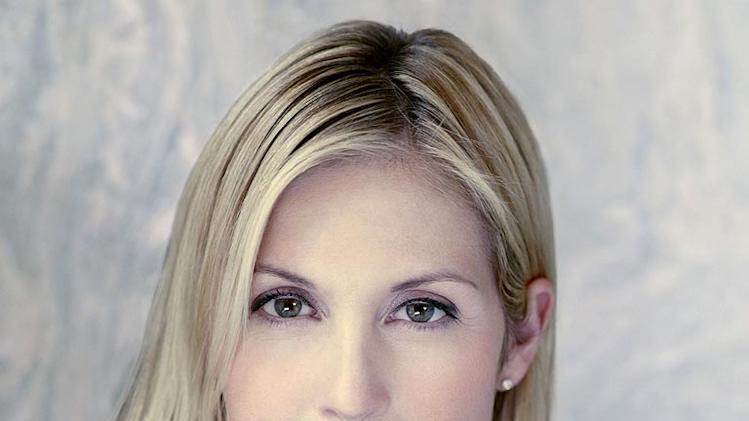 Kelly Rutherford stars as Darla van der Woodsen in Gossip Girl.