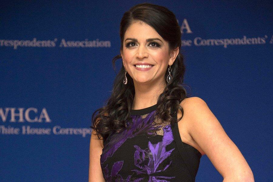Cecily Strong Struggles To Follow Obama And Anger Translator Luther At White House Correspondents Dinner
