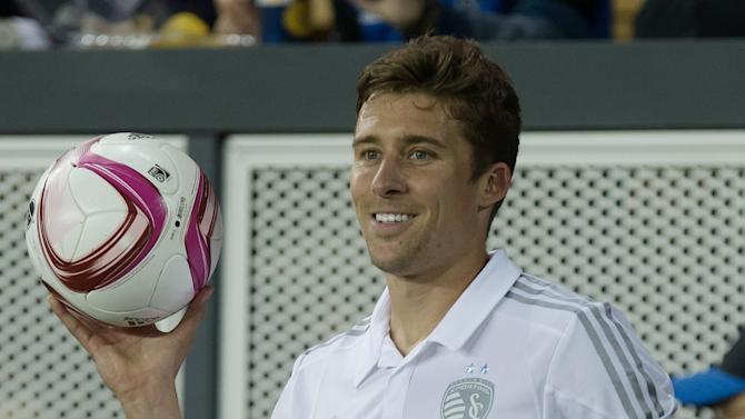 In a U.S. camp filled with young players, Matt Besler continues to cultivate leadership role
