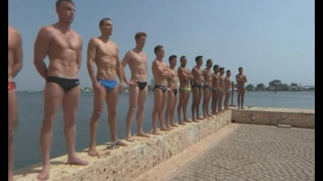 Britain wins World Cliff Diving series opener