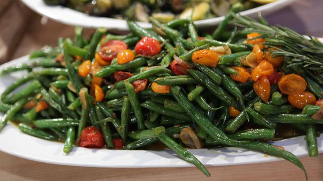 Emeril's Toasted Garlic Green Beans