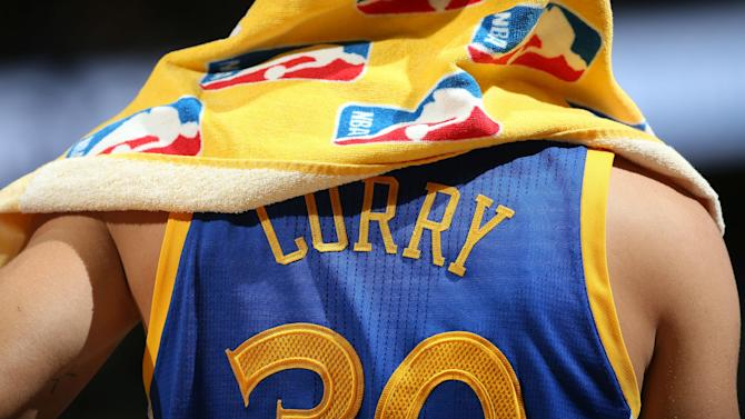Stephen Curry still has best-selling jersey in NBA